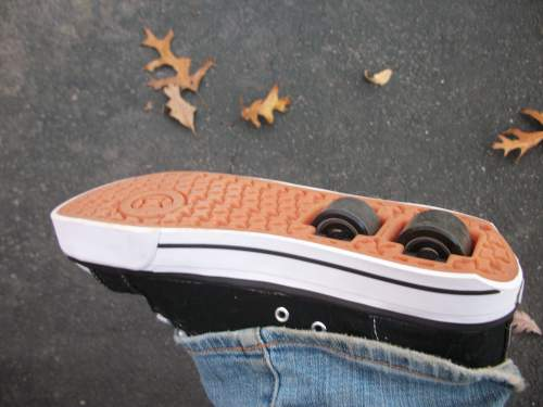 I'm a Total Heelys Failure, But They're Still Cool Sneakers!
