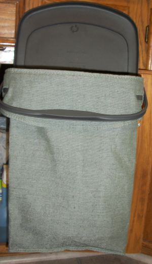 100 2635 Keep Recycling Out of Sight With Rubbermaid Hidden Recycler + Giveaway