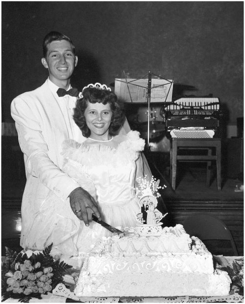 P20File019 Wordless Wednesday: My Grandparents' Wedding Photo