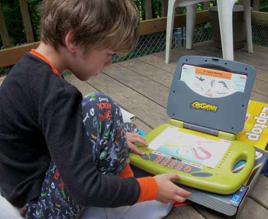 100 3323 Educational Insights GeoSafari Laptop Review