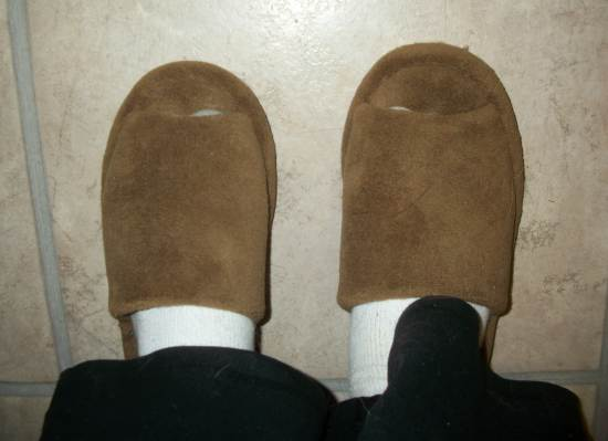 Slippers Nature's Sleep Memory Foam Slippers Review + Giveaway