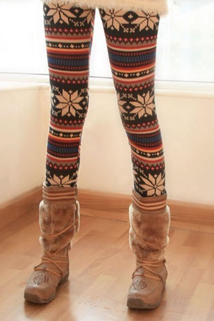 chic-stripes-with-snowflake-leggings