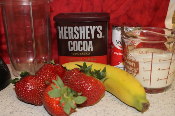 Dark Chocolate Banana-Strawberry Smoothie Recipe