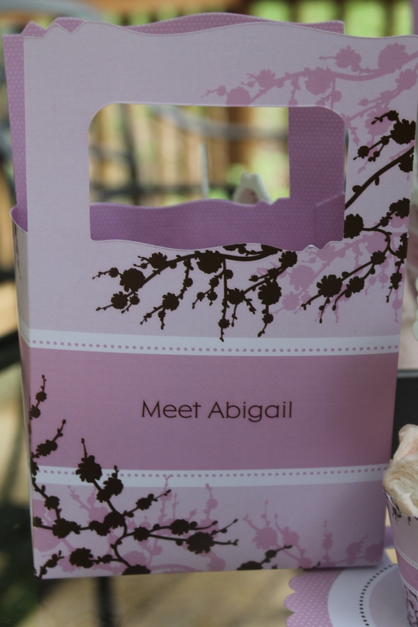 BigDot Meet Abigail Favor Box