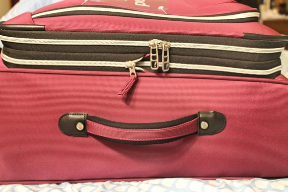Atlantic Luggage Zipped