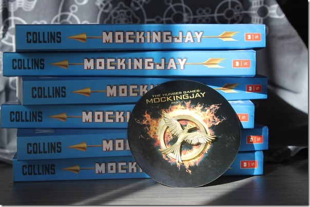 How to Throw an Amazing Mockingjay Book Party + Mockingjay Mocktail Recipe! #Mockingjay
