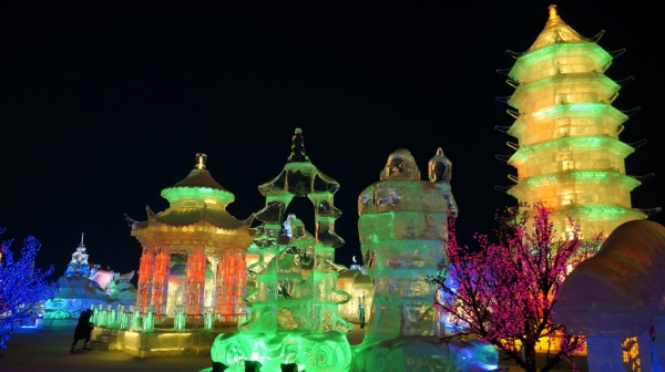 Ice Town Gorgeous Snow & Ice Sculptures