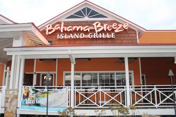 Spend the Night in the Caribbean- No Passport Required- at Bahama Breeze #VivaLaRita