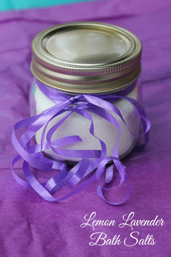 Give mom a handmade gift from the heart with this super easy and inexpensive DIY Lemon Lavender Bath Salts recipe. It's like a little piece of relaxing sunshine!