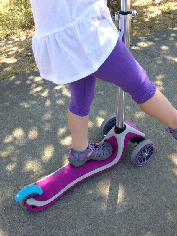 Looking for a great first scooter for your preschoolers? Check out our review of the Globber 3 wheel scooter and see how much fun Violet had riding it!