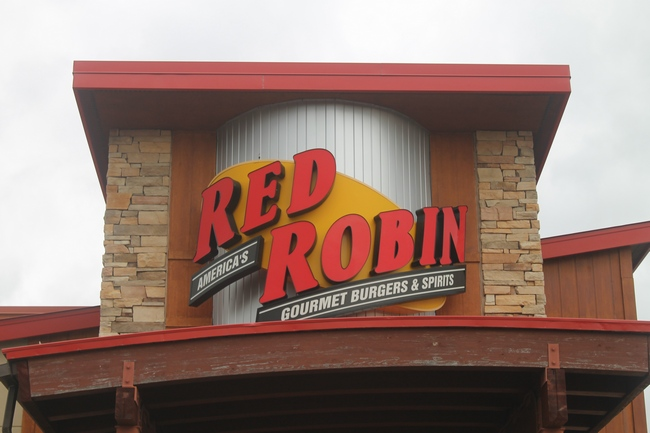 Eat Burgers & Support Your School at Red Robin
