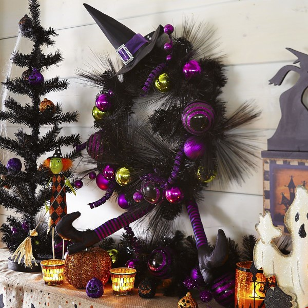Witch Hat Wreath 2