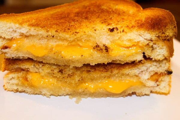 The Perfect Grilled Cheese Sandwich: Made with the Philips AirFryer