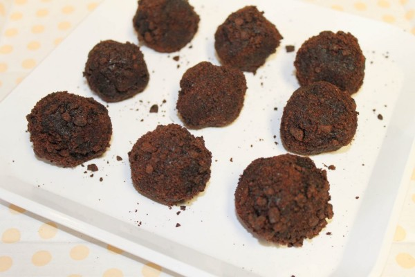 Doorstep Desserts chocolate cake truffles (1 of 1)-10