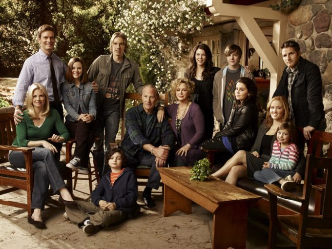 PARENTHOOD -- Pictured: (l-r) top row; Peter Krause as Adam Braverman, Sarah Ramos as Haddie Braverman, Dax Shepard as Crosby Braverman, Lauren Graham as Sarah Braverman, Miles Heizer as Drew Holt, Sam Jaeger as Joel Graham, bottom row; Monica Potter as Kristina Braverman, Max Burkholder as Max Braverman, Craig T. Nelson as Zeek Braverman, Bonnie Bedelia as Camille Braverman, Mae Whitman as Amber Holt, Erika Christensen as Julia Braverman-Graham, Savannah Rae as Sydney Graham -- NBC Photo: Art Streiber.