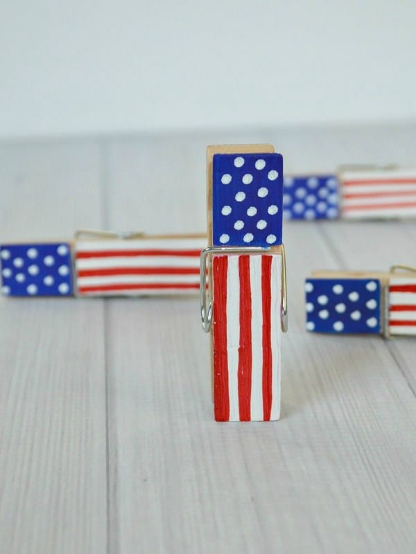 Patriotic-Clothes-Pins.-ver