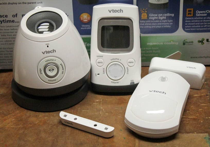 Clever Ways to Use a Baby Monitor to Keep Tabs on Your Pets #GrowWithVTech
