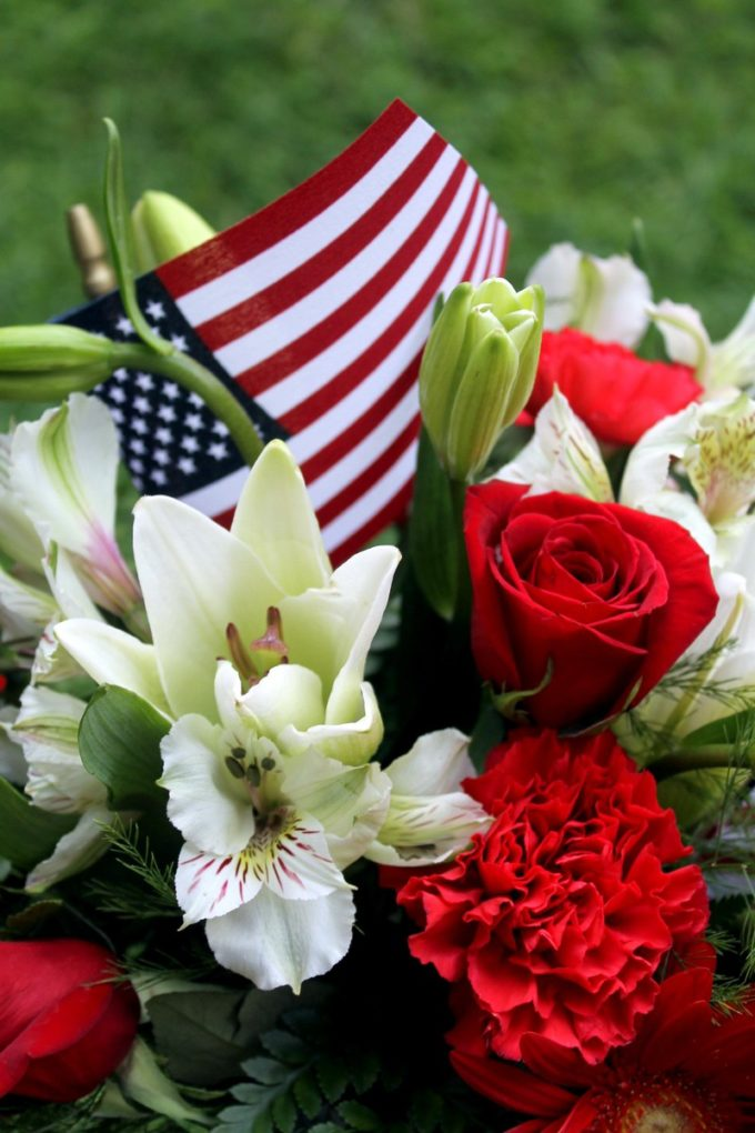 Show off your American pride and bring a little cheer to your home with this gorgeous flower arrangement! Thanks to Teleflora for sending it to me!