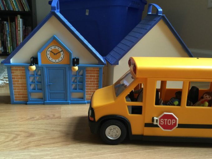playmobil-school-bus-and-take-along-school-house