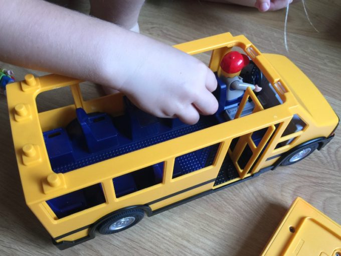 playmobil-school-bus-3