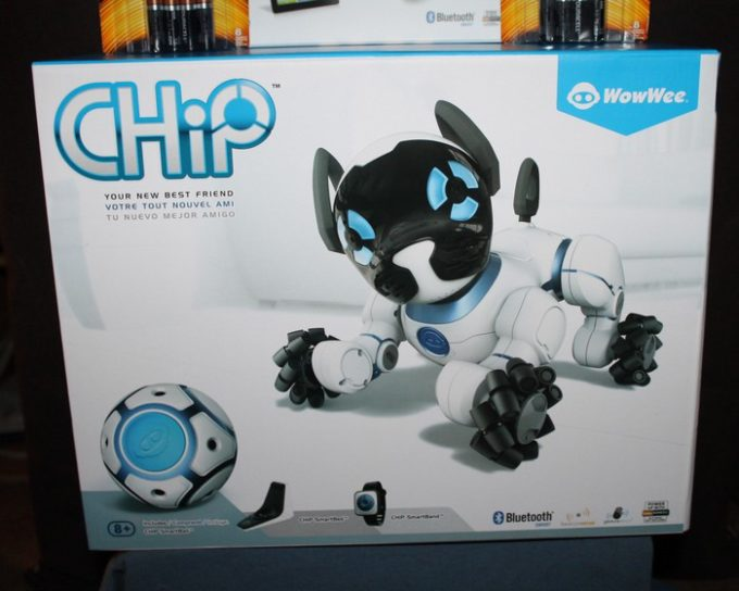 wowwee-chip-in-box