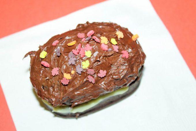 pudding-filled-dark-chocolate-cake-f