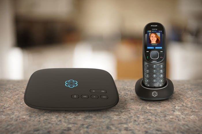 4 Tips to Keeping Your Home Safe During Holiday Travel #ooma