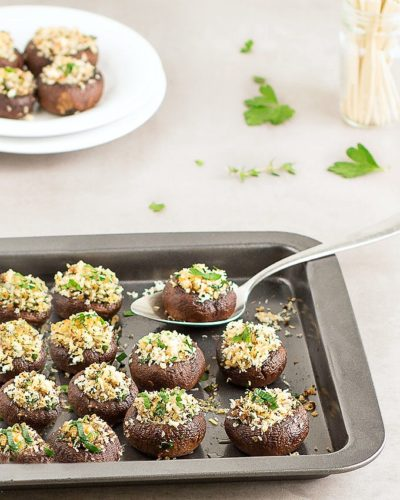 7 Of The Best Holiday Buffet Recipes - Simple Panko Stuffed Mushrooms