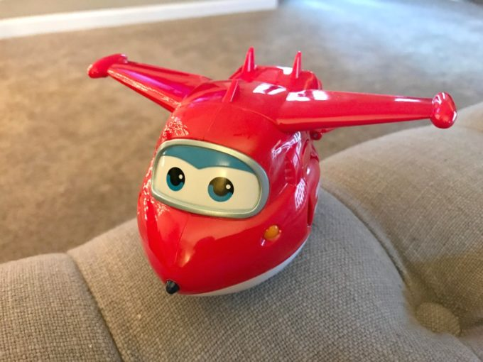 super-wings-jett-transformer-in-plane-mode