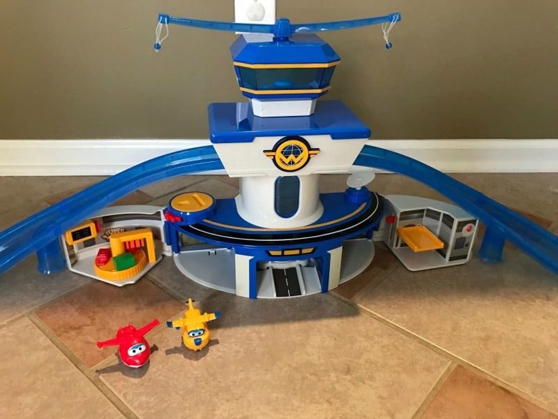 Holiday Gifts for Kids: Super Wings Word Airport Playset & Jett Transforming Figure