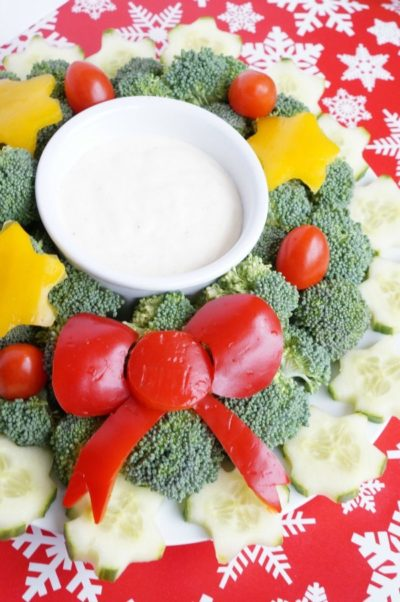 7 Of The Best Holiday Buffet Recipes - Christmas Wreath Vegetable Tray