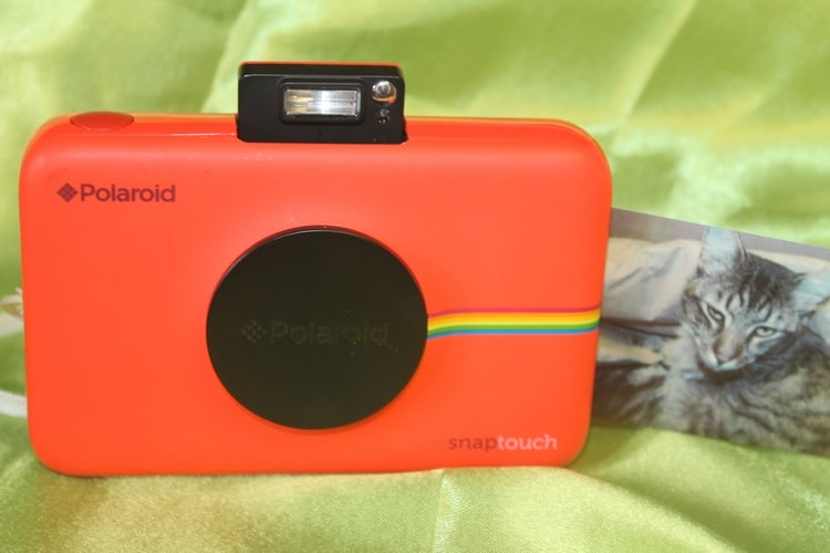 5 Amazing Things That Happen When You Give a Kid a Camera + Polaroid Snap Touch Giveaway #PRINTitFORWARD
