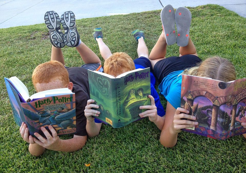 How to Host the Perfect Summer Reading Book Club for Kids