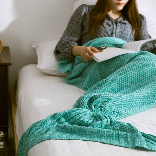 11 Beautiful Mermaid Home Decor Ideas- Mermaid Tail Blanket