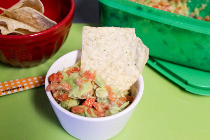 Craving avocado? Make this world's easier guacamole salsa recipe + check out 5 more ways to add more avo to your diet!