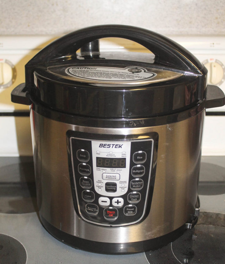 Anyone can cook delicious homemade meals with a pressure cooker! Check out my review of the BESTEK 6Qt pressure cooker, plus grab my favorite recipe for herb and garlic chicken!