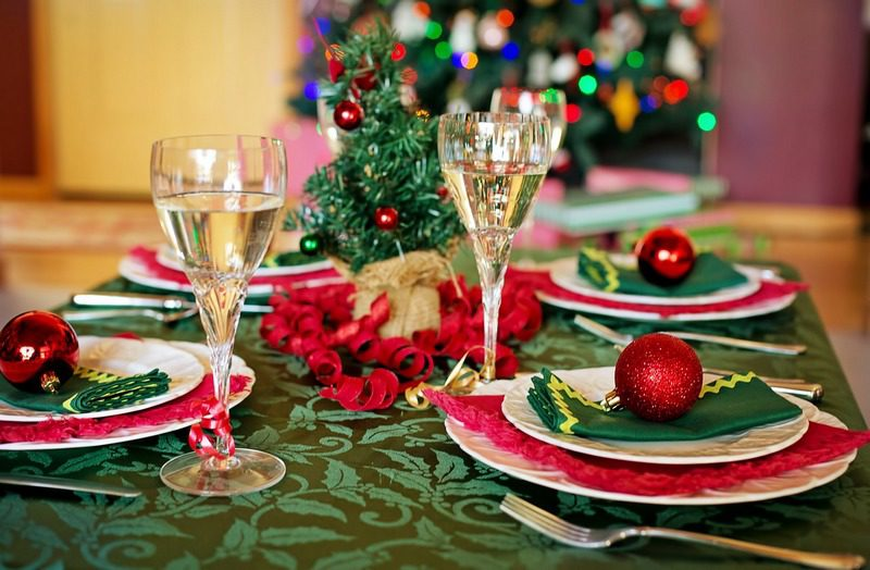 Christmas Table 5 Things to Do Right Now to Get Your Home Ready for Holiday Guests
