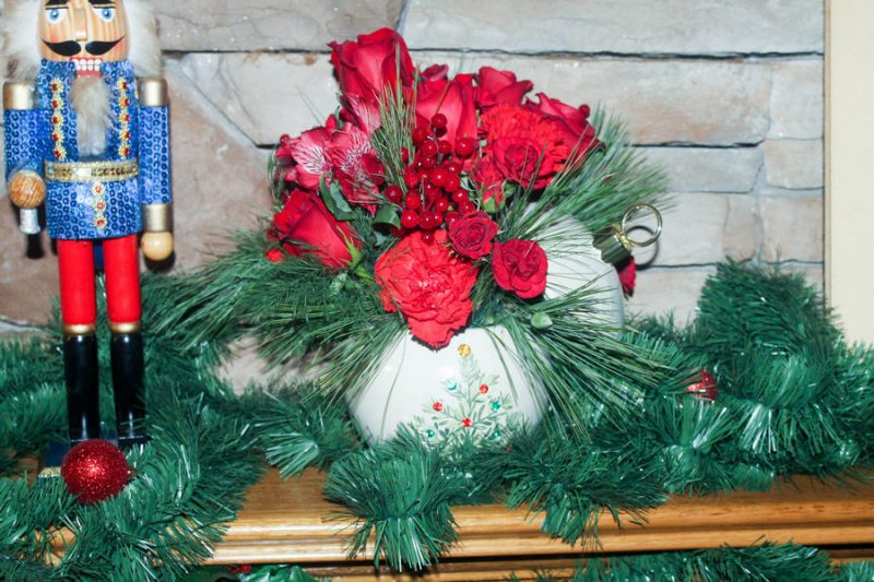 How to Create the Ultimate Christmas Mantle on a Budget