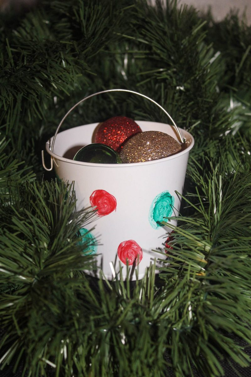 Kiwk Stix Christmas Craft Idea 5 of 8 Mess-Free Shimmering Christmas Bucket Craft for Kids