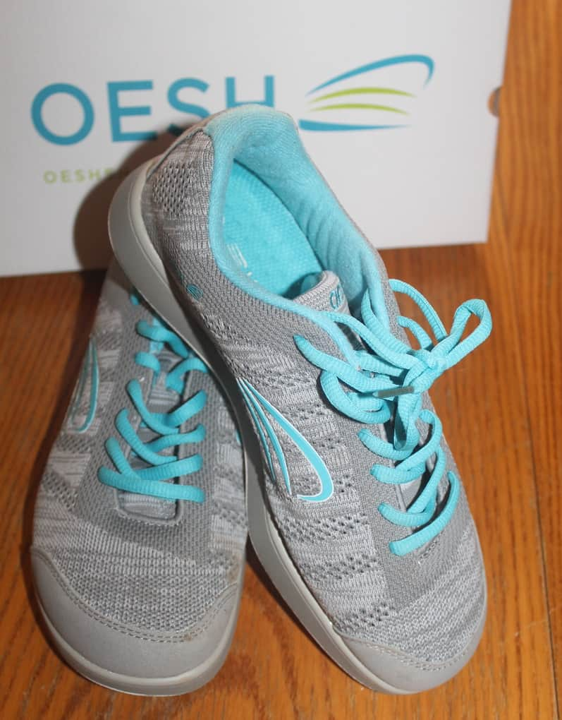 Comfy sneakers are an absolute must for anyone with back pain, and OESH SHOES' new LEA sneaker is among the most comfy I've ever worn. They feature superior comfort that seriously feels just like you're walking on air. The secret? A proprietary design and technology created by Harvard M. D., Dr. Casey Kerrigan.  Designed by a woman for the special needs of women's physiology, this healthy, eco-friendly footwear isn't just insanely comfortable but also totally cute and stylish!