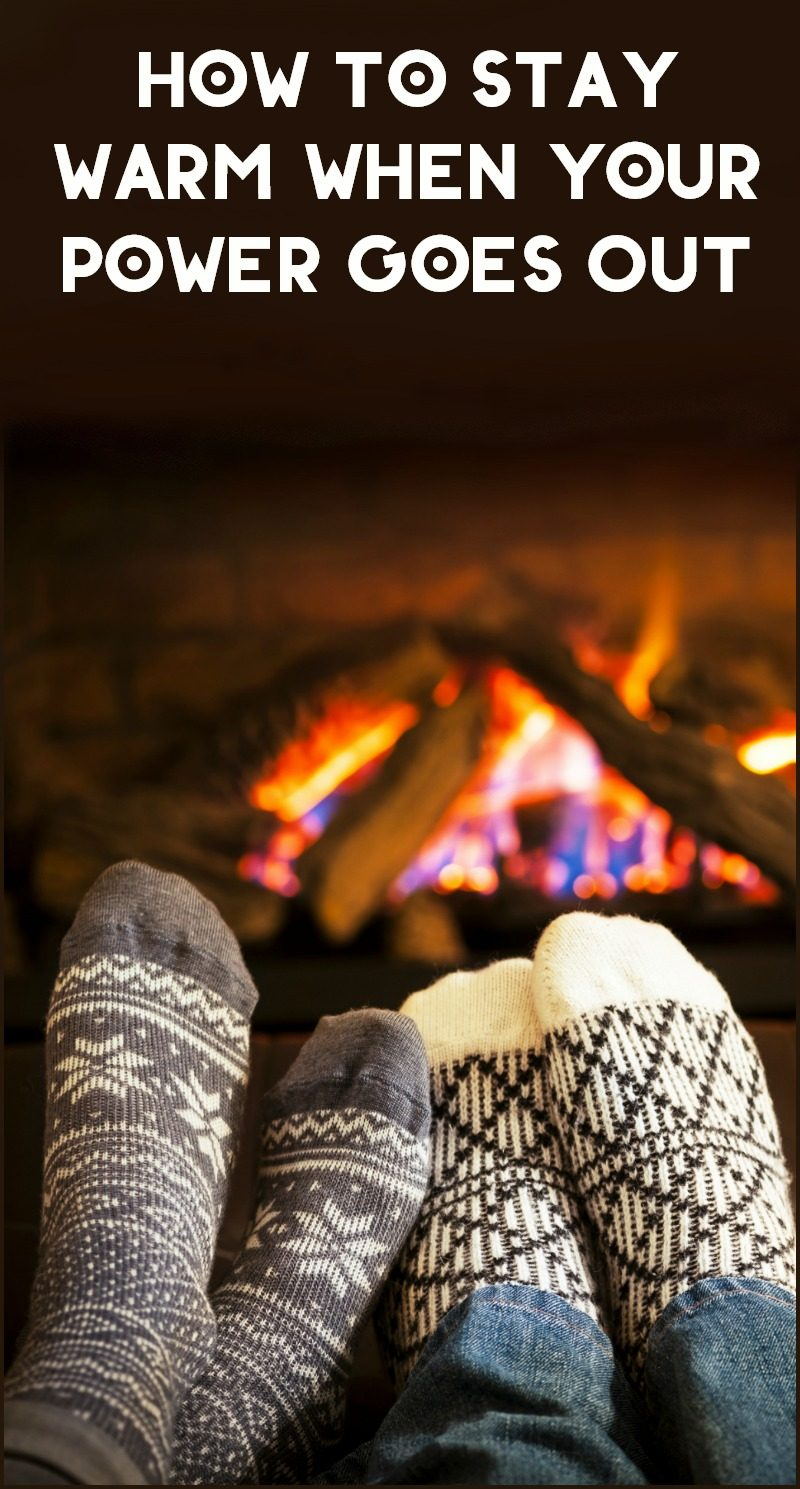How do you stay warm when your power goes out? Check out these 7 tips, including what to do both with and without an alternate heat source.