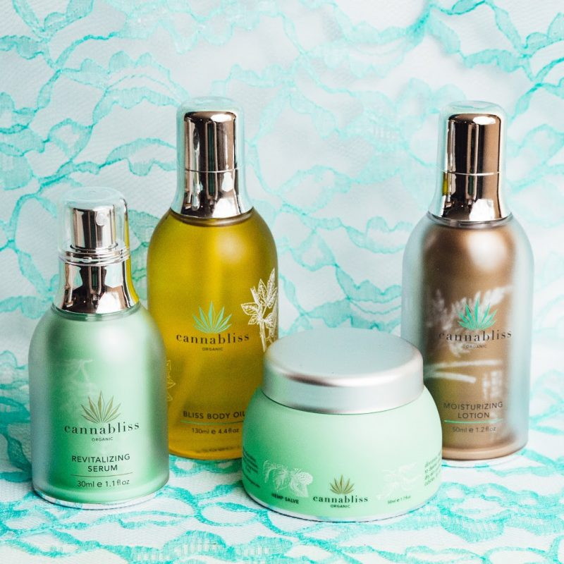 3 Unique Gift Ideas for Moms to Help Her Relax & Feel Pampered