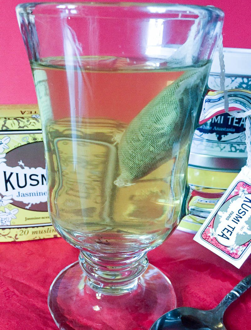 Kusmi Tea 5 a 3 Unique Gift Ideas for Moms to Help Her Relax & Feel Pampered