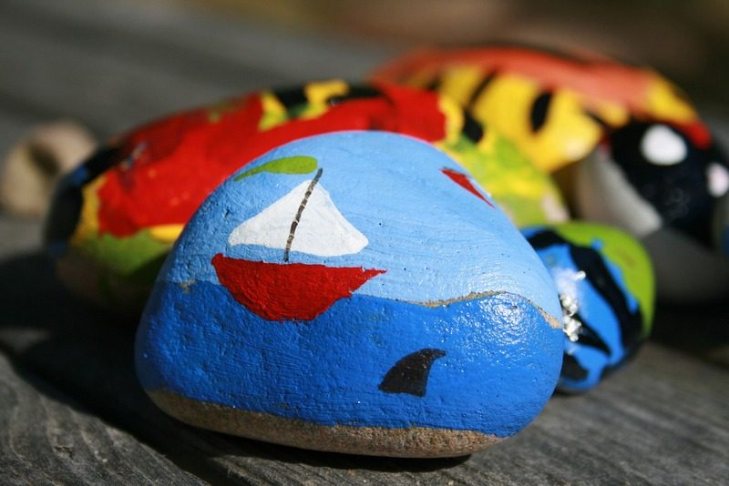 painted rock Simple DIY Home Decor Projects To Do This Summer