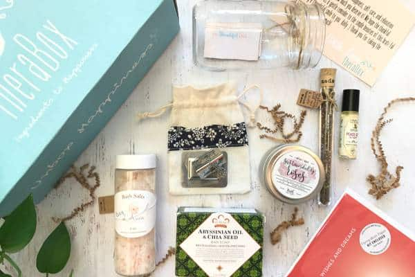 ALL-NATURAL SUBSCRIPTION BOXES FILLED WITH ORGANIC BEAUTY FINDS: TheraBox