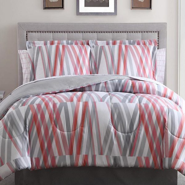 Give Your Room a Makeover in a Flash with a Bed in a Bag from Latest Bedding!