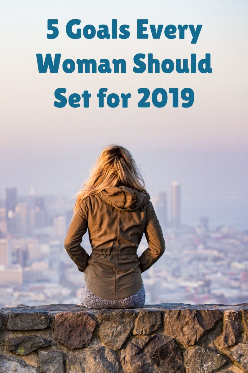 As the end of this year is approaching, a lot of people are looking back to what they've already accomplished in order to set their goals for the upcoming year. If you're one of them, too, just keep on reading – there are five important goals every woman should set for 2019, so check them out and enjoy!