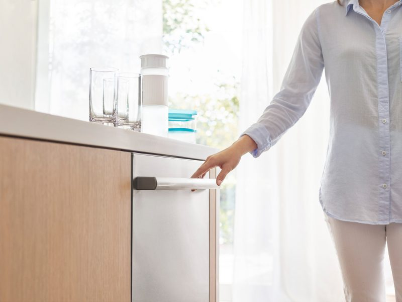 The Bosch 800 Series Dishwasher Will Make You Want to Dump Your Current Hunk o' Junk!