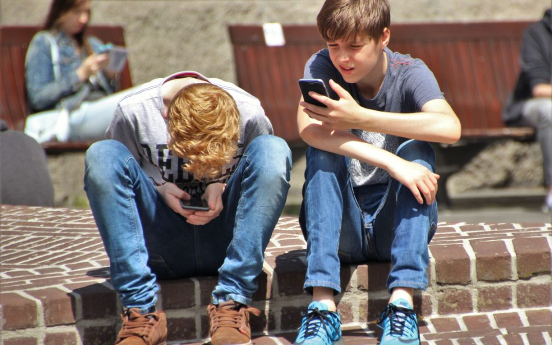 Smartphones ARE NOT Damaging Your Teens' Mental Health, New Study Shows