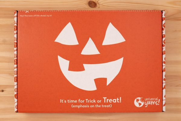 Forget the standard-issue variety bag of chocolate bars for trick or treaters and go global instead with the Universal Yums Limited Edition Halloween box! YUM!